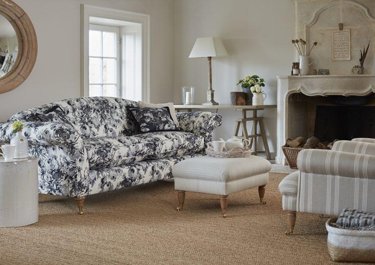 Edwardian Sofa in Swaffer Artemisia Rosa Velvet by Delcor
